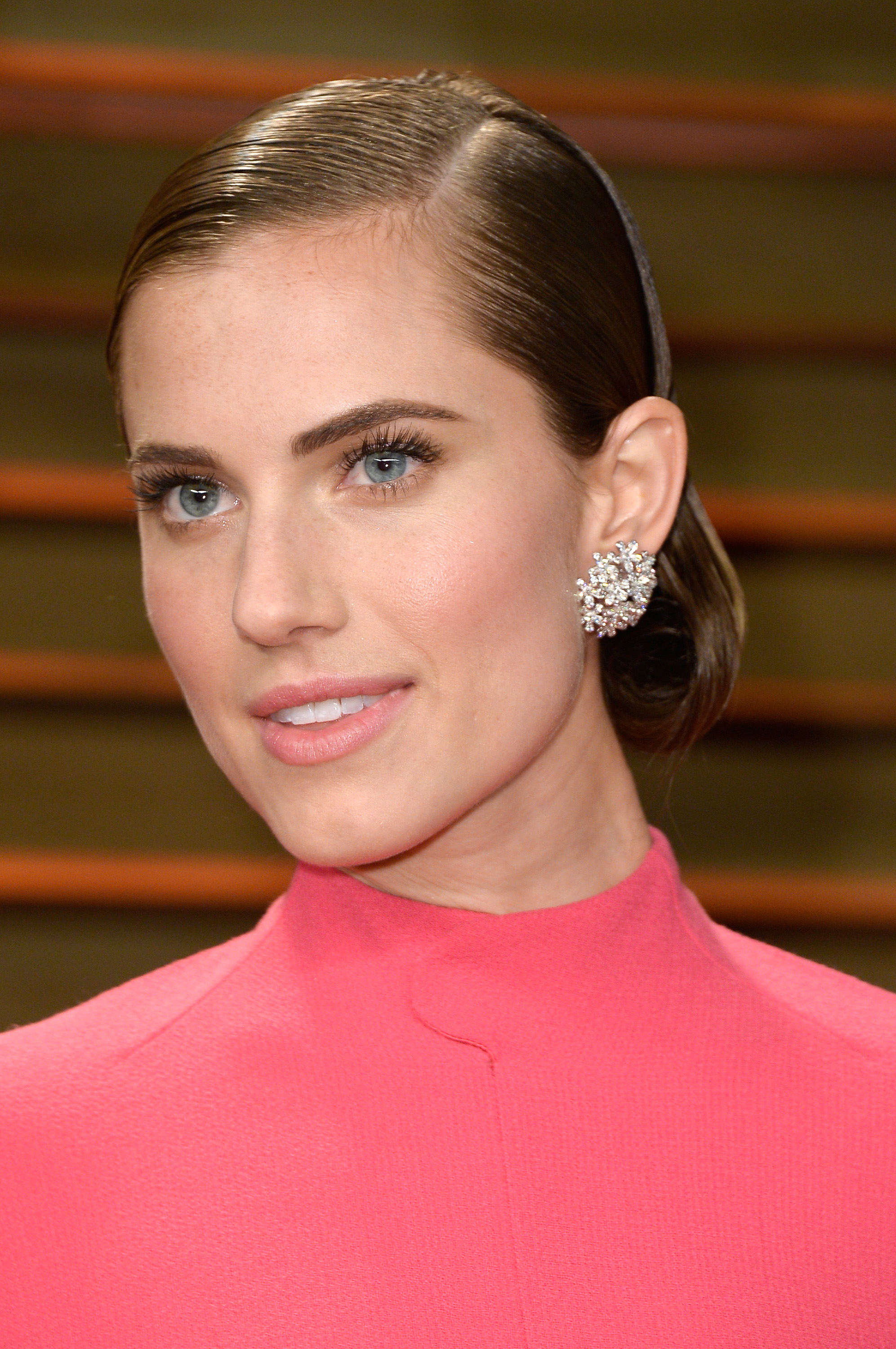 HOW TO: Sexy, Shiny Chignon on Allison Williams at Vanity Fair