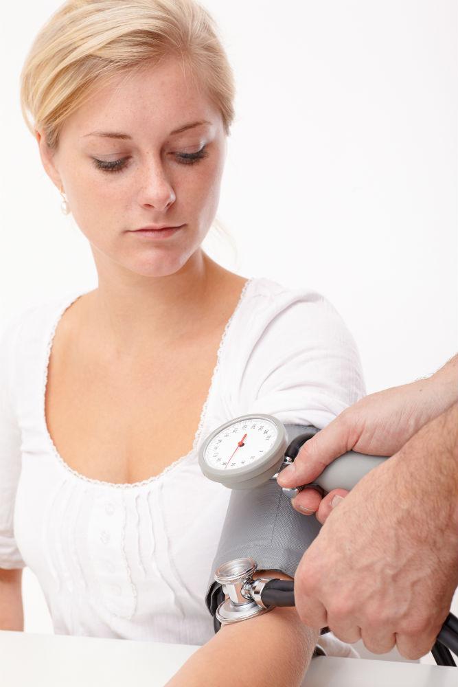 Как поднять давление в домашних условиях беременным
