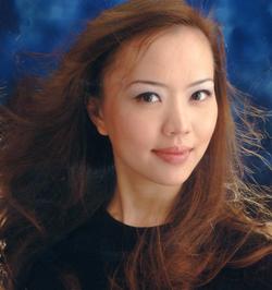 Women of Beauty: Daisy Lee