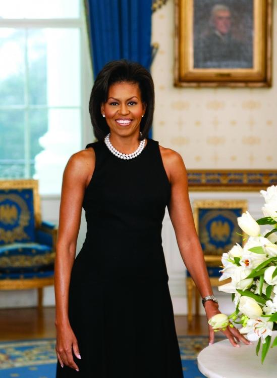 Michelle Obama's Grey Nails: Artistic Colour Gloss Rocks the Mani