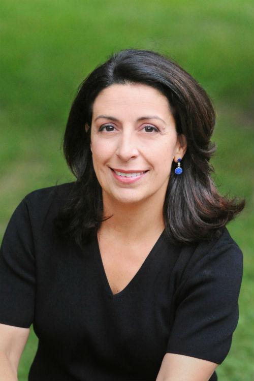 Graciela Nowik: A Salon Family