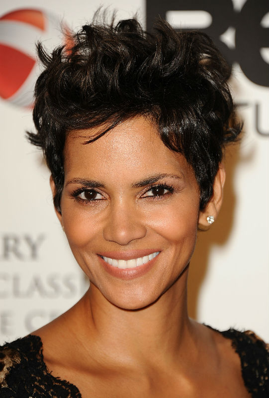 Halle Berry's New Style: Growth or Extensions?
