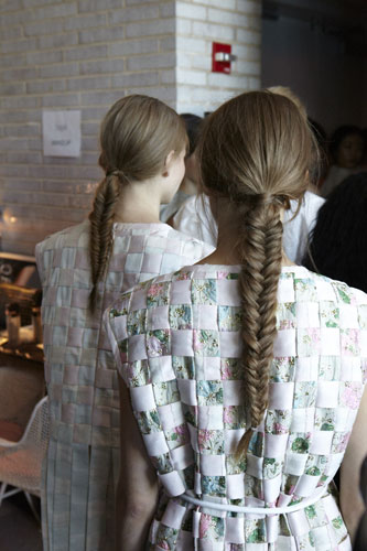 HOW-TO: Effortless Fishtail Braid