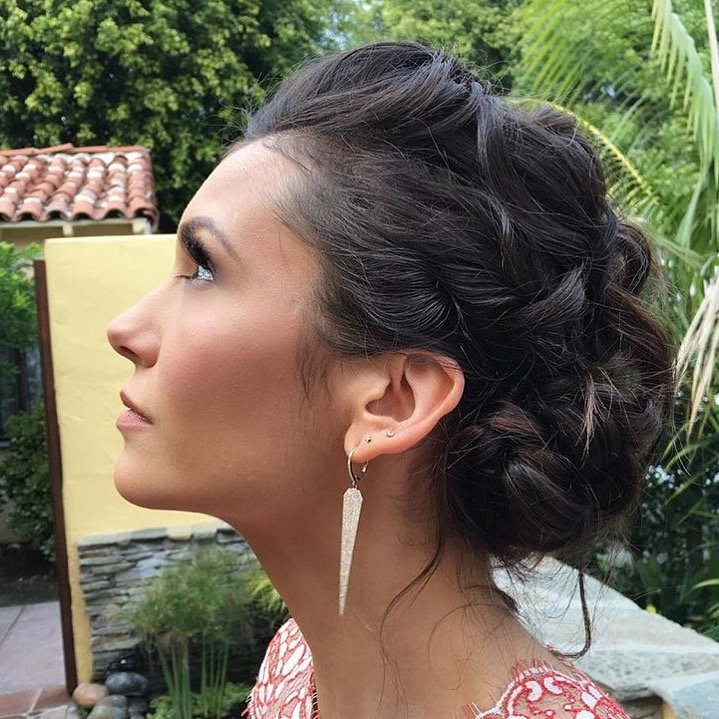 Get The Look Nina Dobrevs Twisted Updo At The Golden Globes 2016