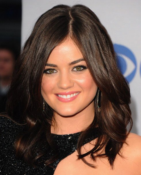People's Choice Awards: Lucy Hale's Textured Waves