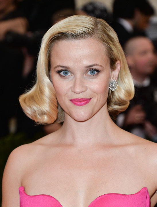 Met Ball 2014 Reese Witherspoon Faux Bob How To Hairstyling