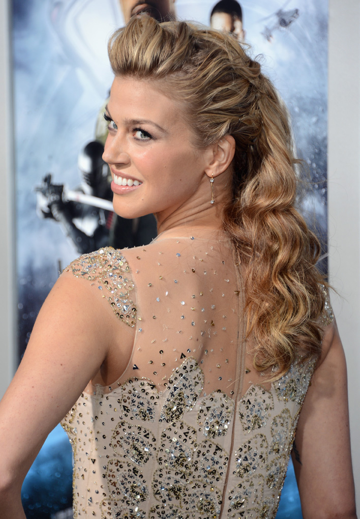 HOW-TO: Adrianne Palicki's Half Up/Half Down Textured Twist