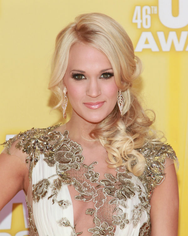 How-To: Miranda Lambert's CMA Awards Bouffant