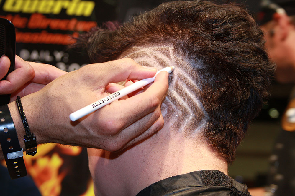HOW-TO: Carve Out Creative Graphics into a Mohawk From Oster