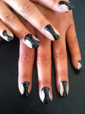 Celebrity Hourglass Nail Trend
