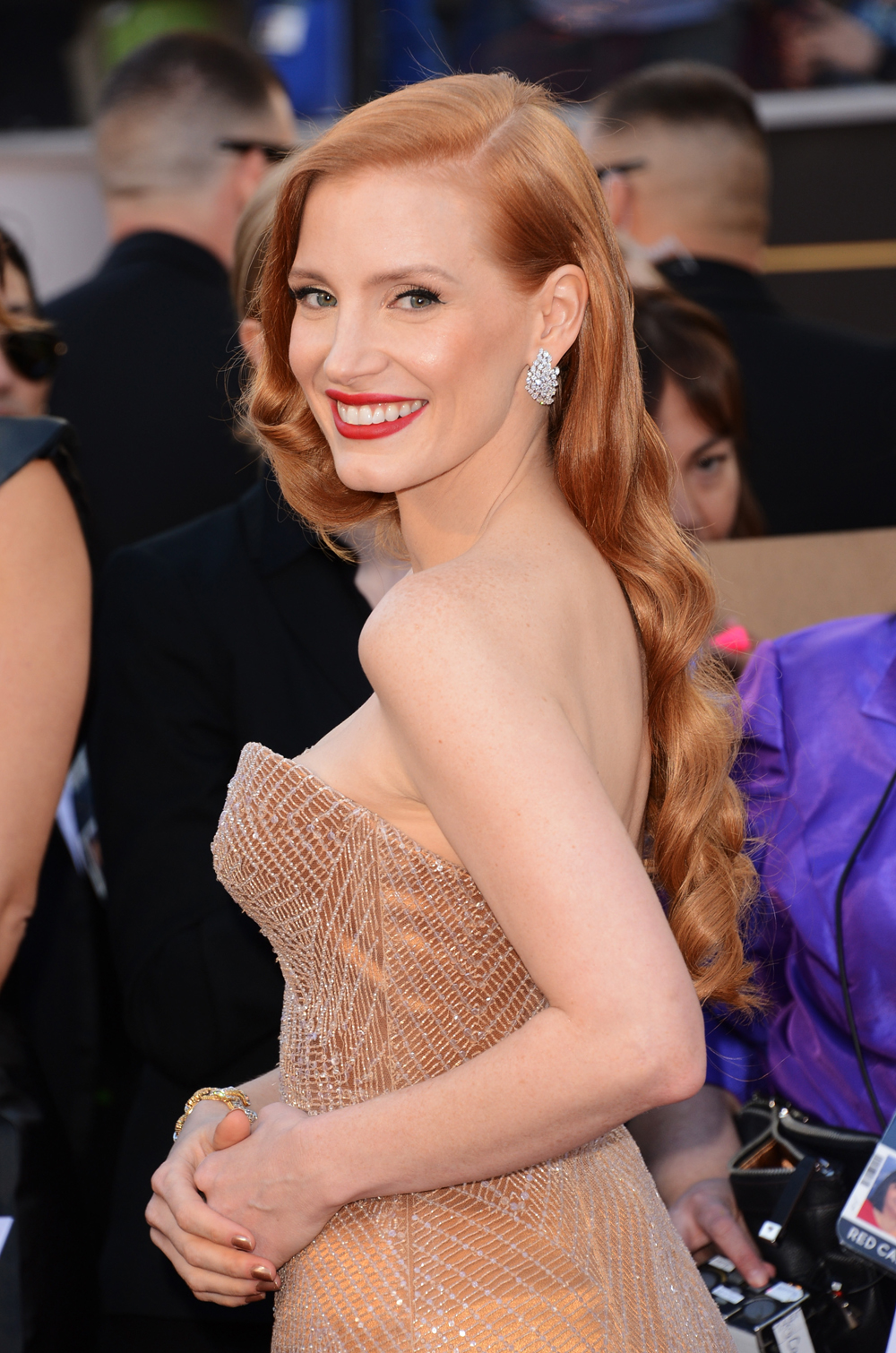 THE OSCARS: Jessica Chastain's Hollywood Glam Waves