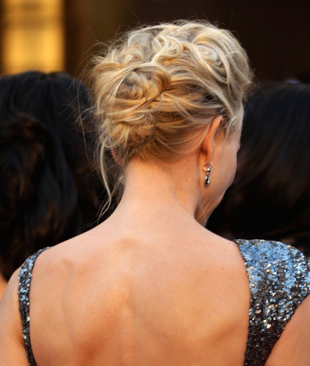 THE OSCARS: Naomi Watts' Wavy Upsweep