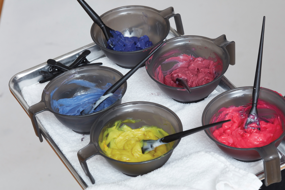 Mix five shades in separate bowls. Formulas below.
