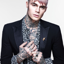 HOW-TO: Rockstar Pink Men's Hairstyle