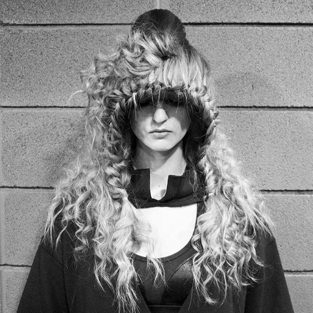 "<h1>AFFILIATED ARTIST WINNER: Sabrina Cayer (<a class=""notranslate"" href=""https://www.instagram.com/propagandecoiffure/"">@propagandecoiffure</a>)</h1>"