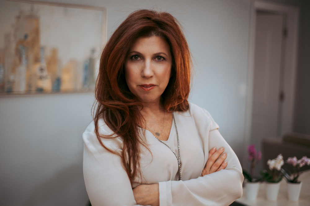<p><strong>Salon Cadence founder Ronit Enos hopes to change the lives of women entrepreneurs by sharing her own hard-won experience.</strong></p>