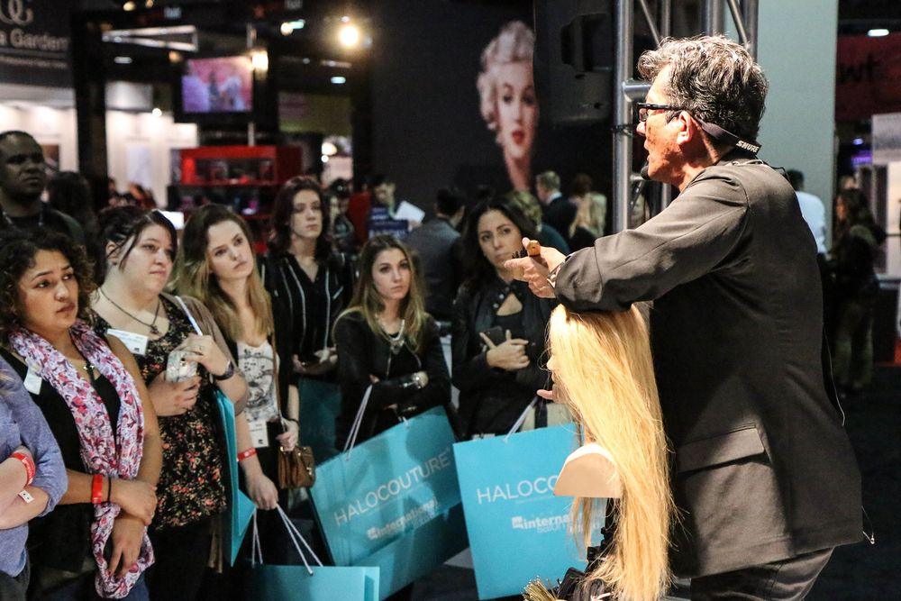 Beauty Educator Sam Villa always attracts a crowd on the show floor!