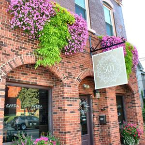 501 Salon & Spa in Bellevue, Kentucky