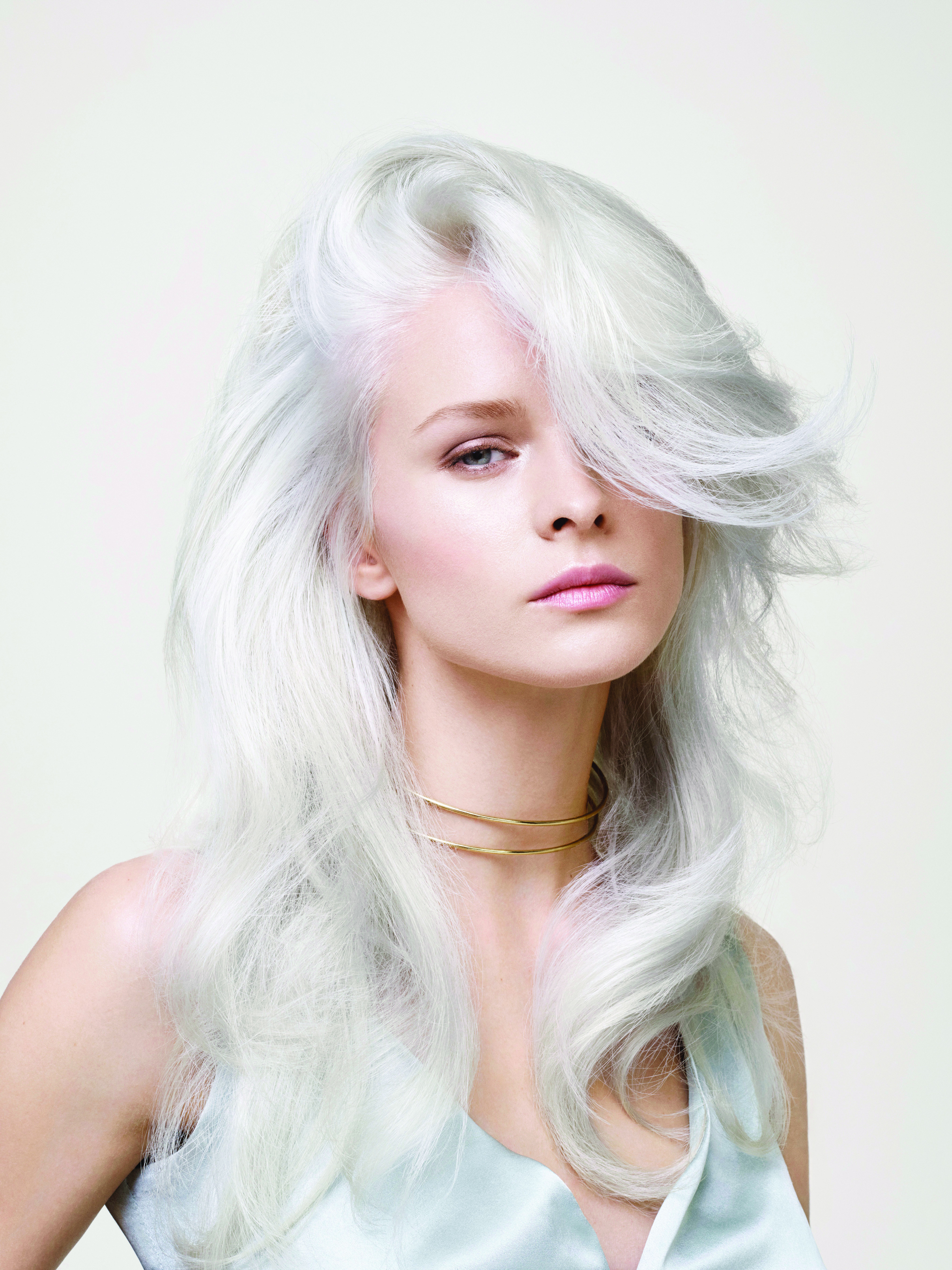 HOW-TO: Luminous Platinum Hair Color With a Modern Twist