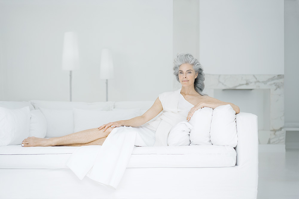 Aquage's Luxe Collection: Ageless Beauty on Gray Hair