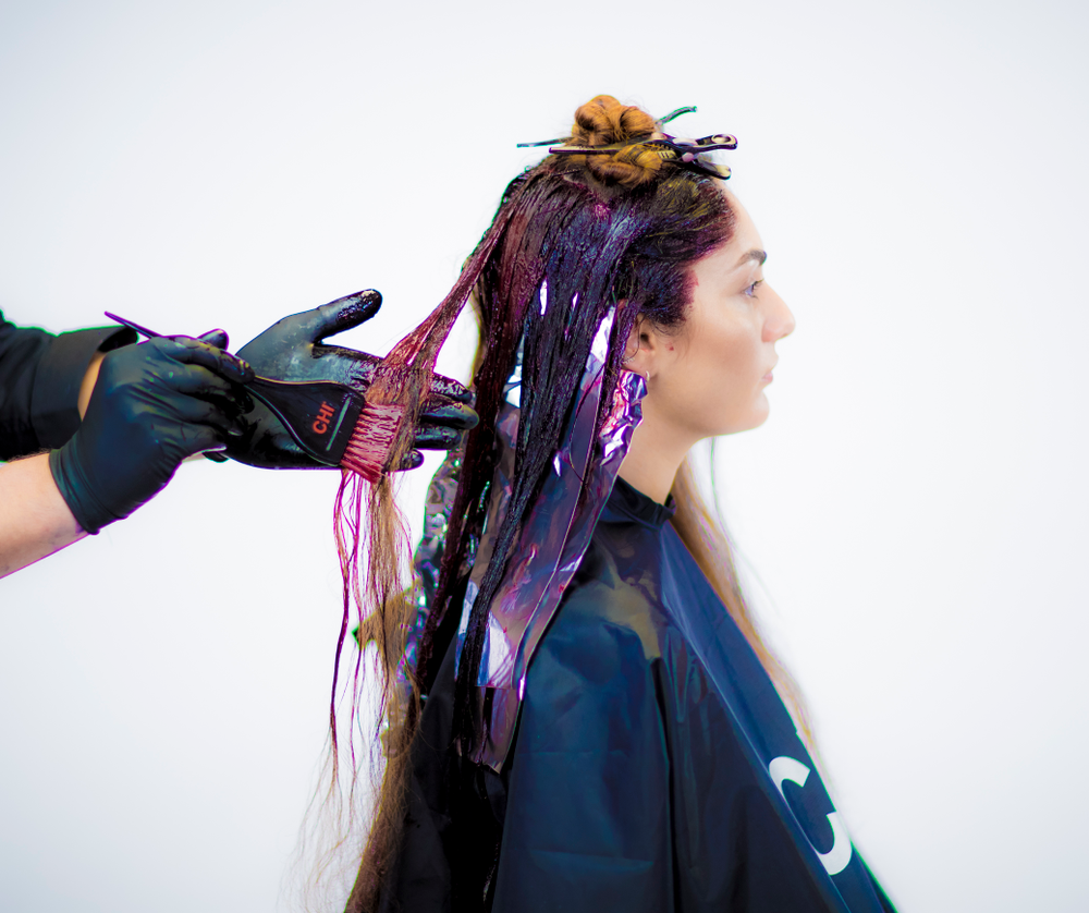 COLOR 2: <strong>STEP 1</strong> - Apply Formula 2 from roots to ends on all the non-pre-lightened sections.