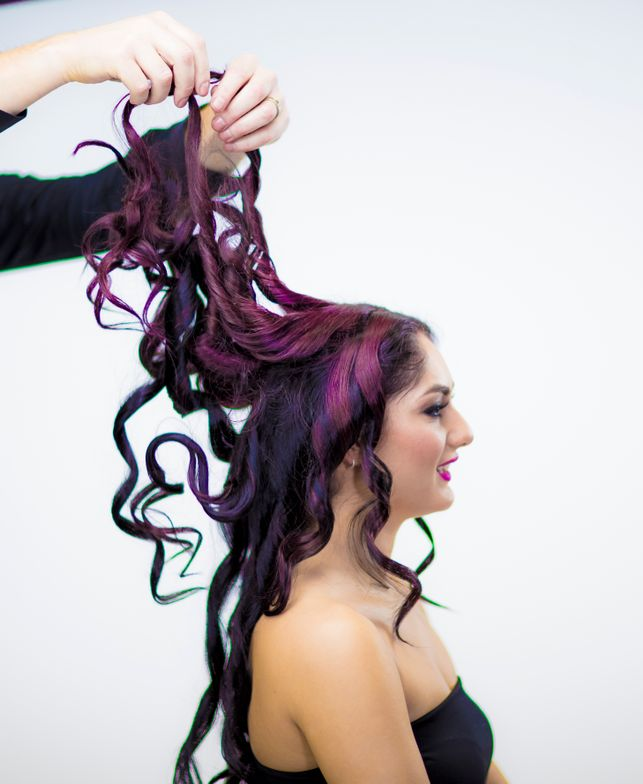 STYLING:Apply a rich amount of CHI Silk Infusion on the hands and massage it through the hair.