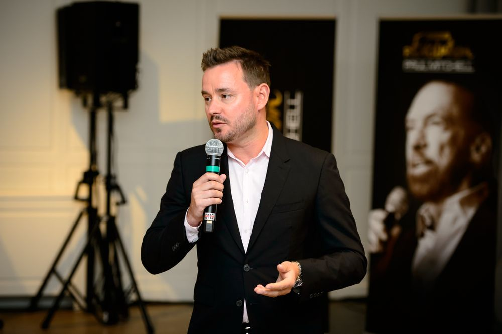 Jason Yates of JPMS offering business advice to owners and stylists