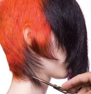At the side, allow the hair to fall forward. Remove length at the nape, leaving isolated pieces.
