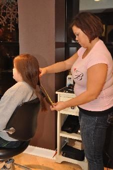 Salon Hosts Event for Students Wanting to Help Their Teacher