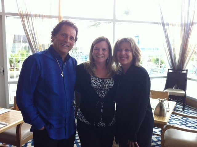 Stacey Soble (center) with Eufora founders Don and Beth Bewley.
