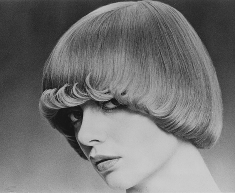 <p></p> <p> Femme Fatale with flicks flicking on the forehead, new then, when flicks only flicked at the ends of long hair. The model had very fine hair so this shows Raphael's skill. Hair: Raphael Santarossa … Makeup: Jacques LaFleur … Model: Judi MacDonald …Photo: Klaus Lucka</p> <p></p>