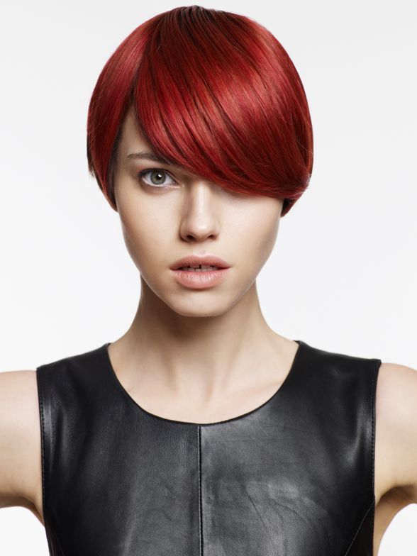 <strong>2004:</strong> <strong>CHI hair color</strong>, an ammonia-free hair color, was invented using Ceramic Technology and Ionic Dyes.