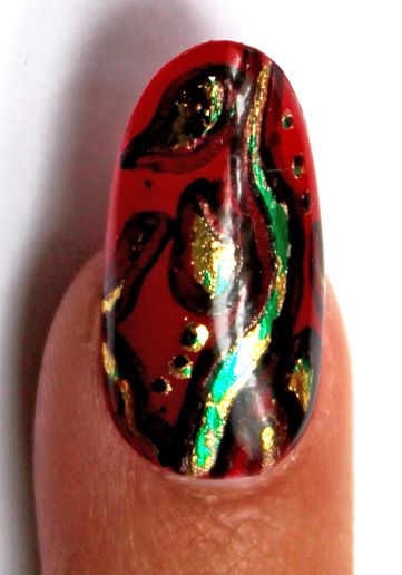 HOW-TO: Poison Ivy Nails with Vine Effects