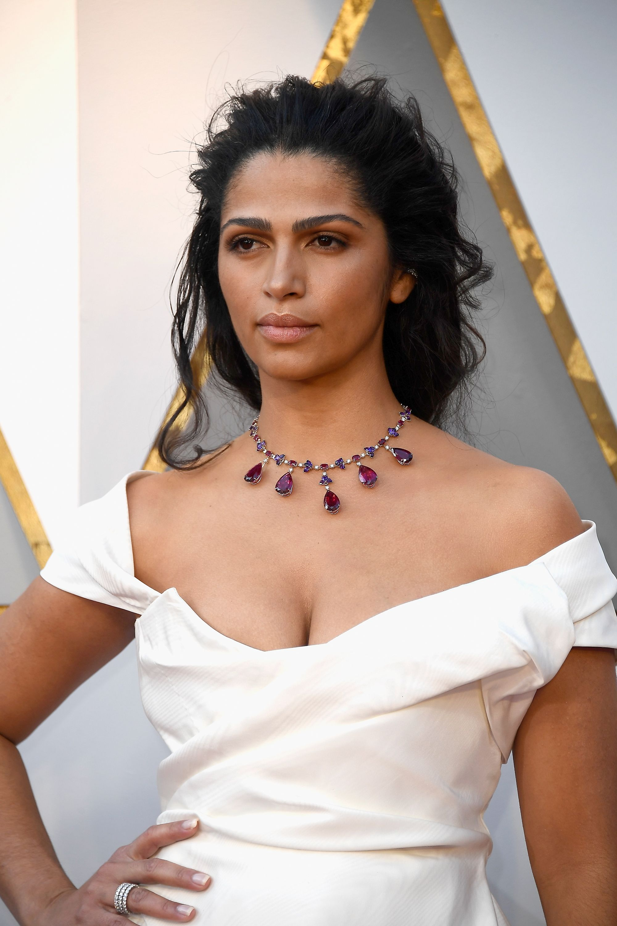 HOW-TO: Camila Alves' Hairstyle from Oscars by Michael Silva with Kenra