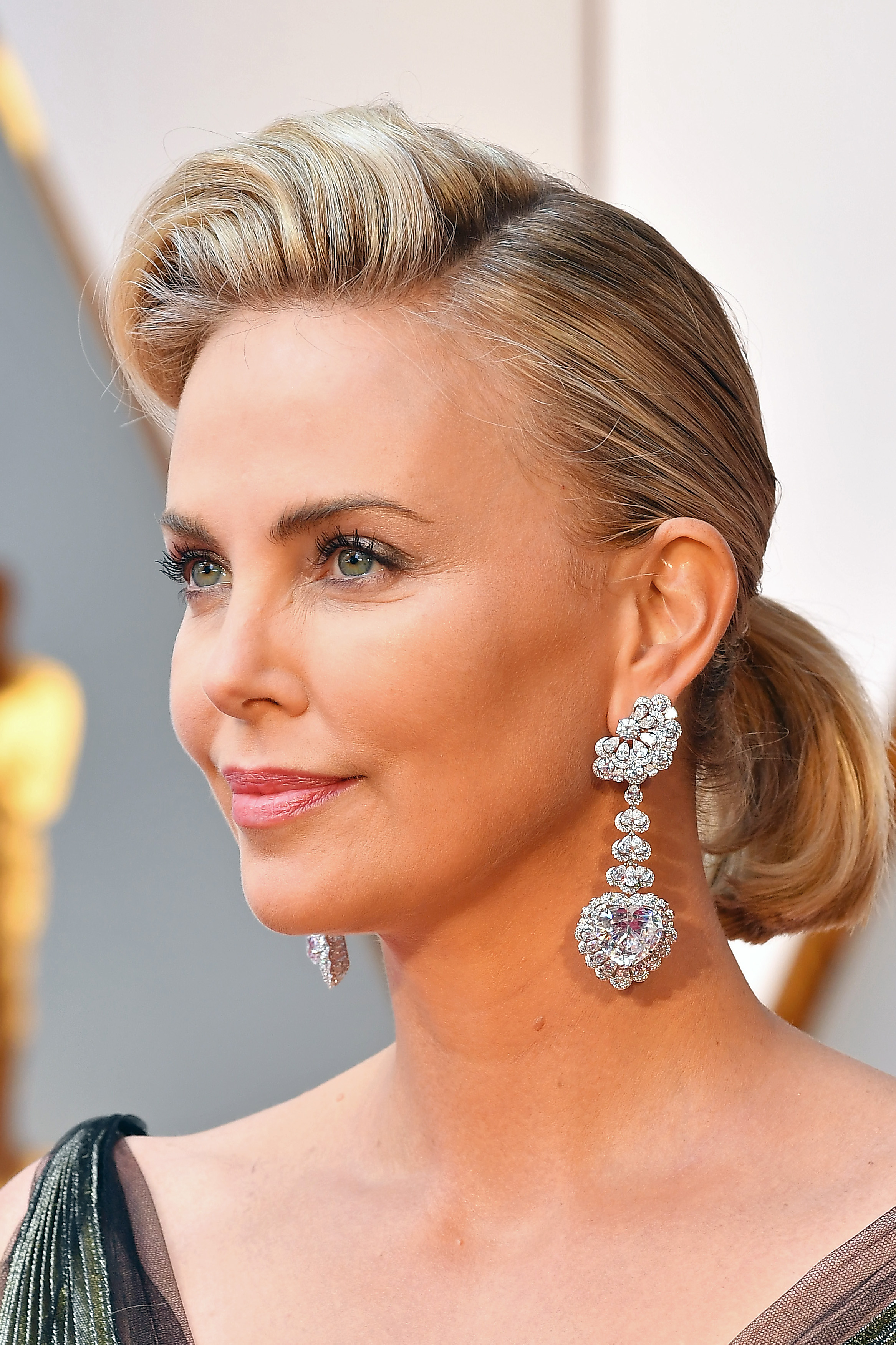 Charlize Theron's Retro Ponytail Look at the Oscars
