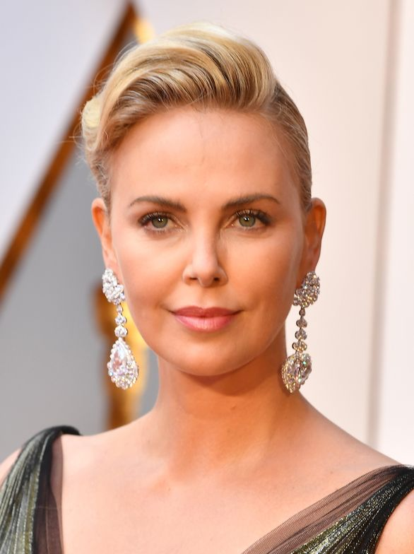 Charlize Theron (front)