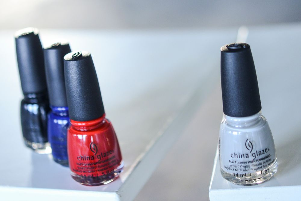 Shades usedat Proenza Schouler: Pelican Gray; Liquid Leather, One Track Mind and Salsa (pedicures)