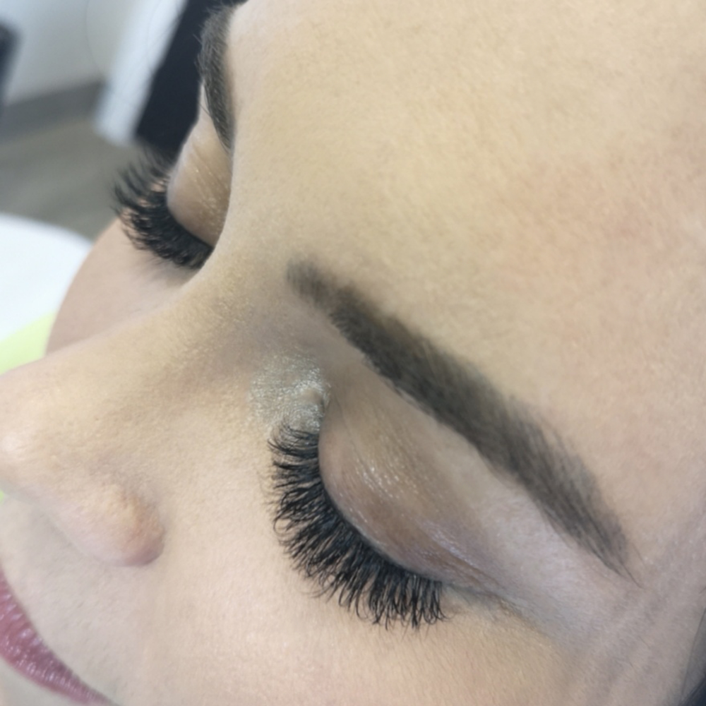 <p><strong>Who wouldn't love this glamorous lash look for date night by NovaLash Brand Ambassador Claire Ogilvie?</strong></p>