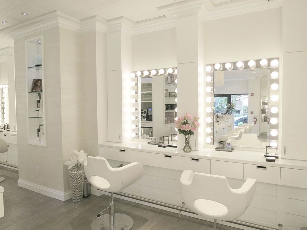 Cloud 10 Dry Bar And Makeup Salon