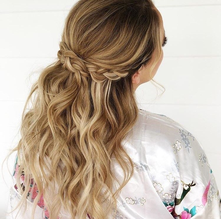 """When brides say, ""I know you probably hate it when people bring bring you Pinterest pics."" I say, bring me your <a class=""notranslate"" href=""https://www.instagram.com/pinterest/"">@pinterest</a> pics. I like it,"" Crews captioned this photo."