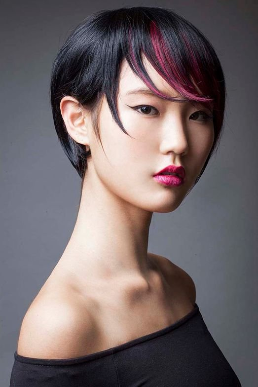 <strong>Sleek and Sophisticated Straight Texture</strong>