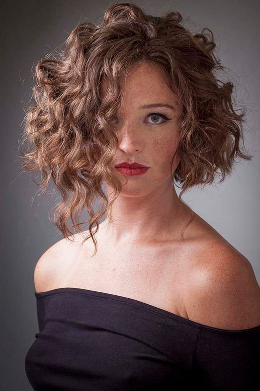 <strong>High Volume Curly Texture</strong>