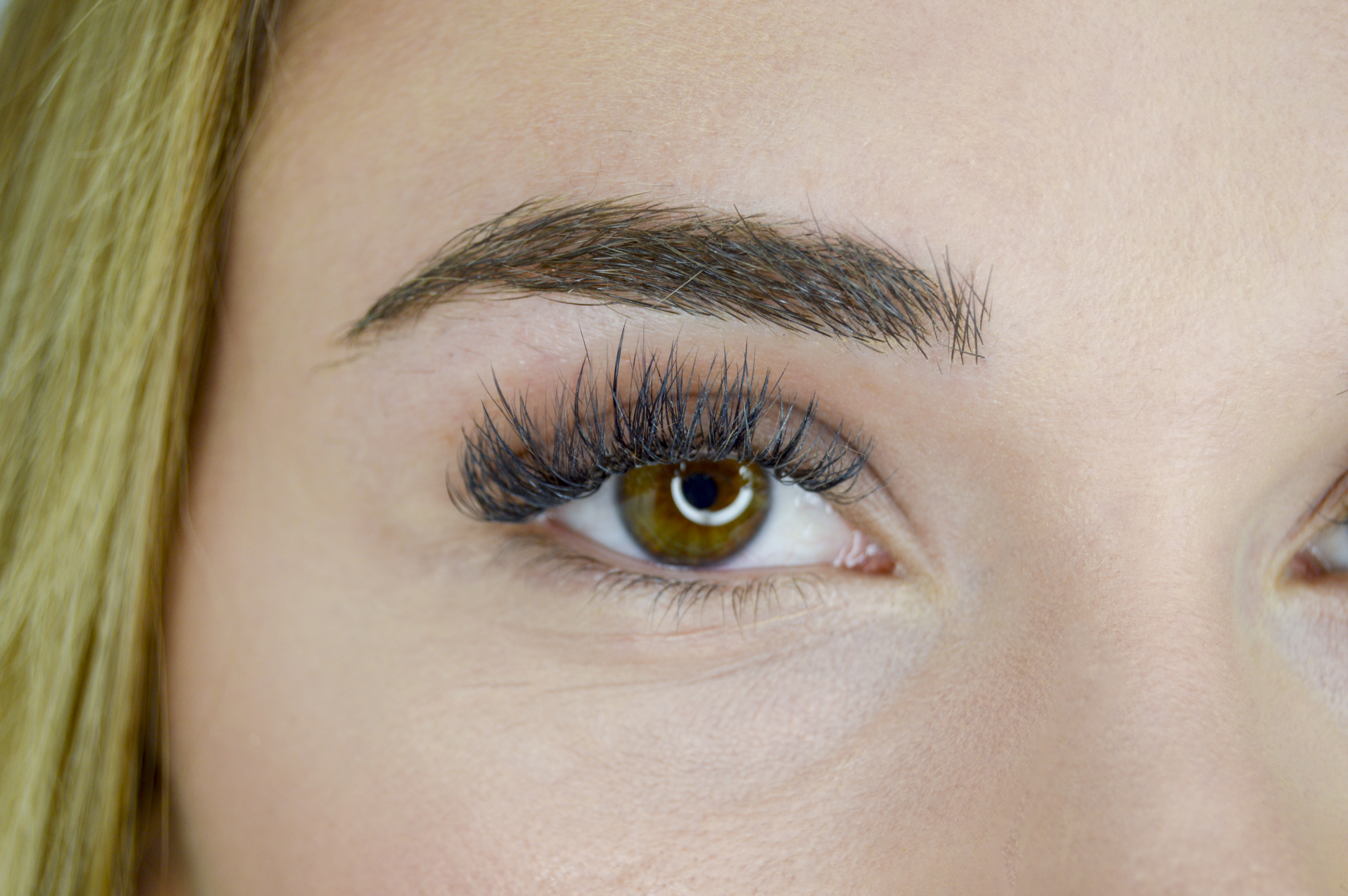 How to Guarantee Long-Lasting Winter Lashes