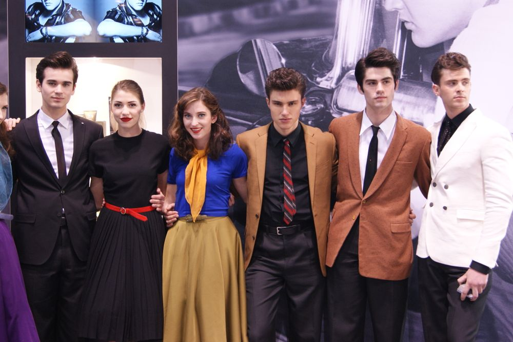 Trending retro styles (especially men's styles inspired by Elvis) at the American Crew booth.