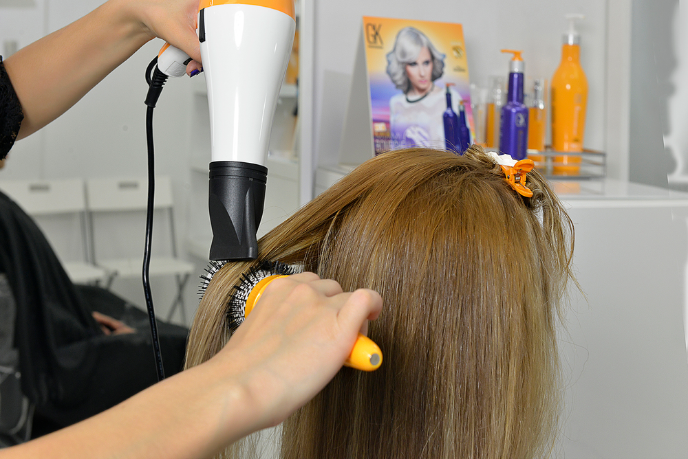 Blow dry the hair 100%.