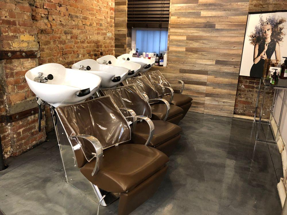 The shampoo area at David Ryan Salon.