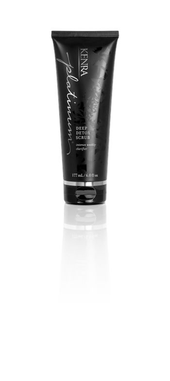 <div>This intense weekly clarifier is enriched with activated charcoal to detoxify and precious diamond dust to deflect everyday pollutants. It deeply draws out and clarifies pollutants to dull impurities and product buildup</div>