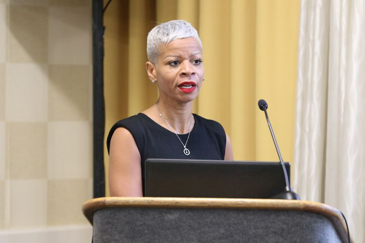 <p>Trichologist Evie Johnson takes attendees through the different scarring alopecias.</p>