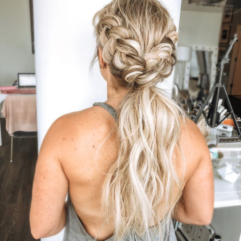 "<strong>Twist and shout! Hair by <a href=""https://www.instagram.com/blohaute/"" target=""_blank"" rel=""noopener"">@blohaute</a></strong>"