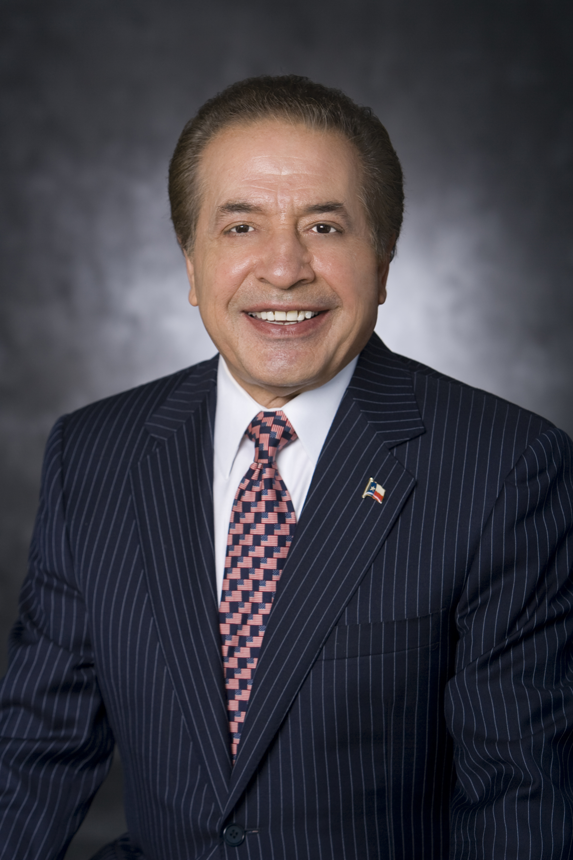"The Center for Arab American Philanthropy (CAAP) will honor Dr. Farouk Shami, the CEO and founder of Farouk Systems USA, with their first ever ""Outstanding Arab American Philanthropist Award""."